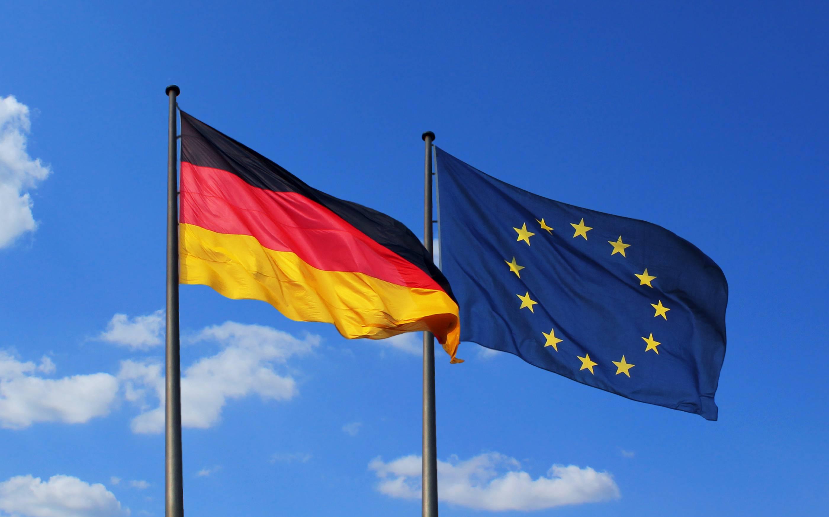 Fahnen Und Flaggen Geschichte Und Bedeutung