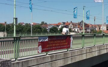 Spannbanner Brücke Heidelberg Fahnen-Kreisel