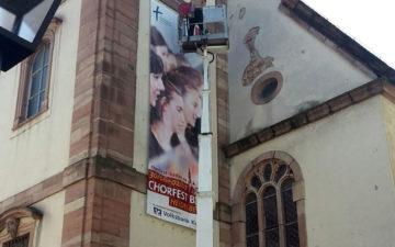 Spannbanner Kirche Fahnen Kreisel